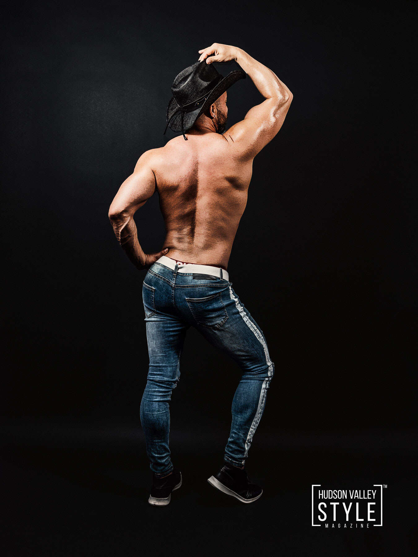 Bodybuilding Diet Tips by Coach Maxwell Alexander, MA, BFA, Certified Elite Fitness Trainer, Certified Bodybuilding Coach, Certified Sports Nutritionist – Fitness and Bodybuilding Photography by Duncan Avenue Studios, New York